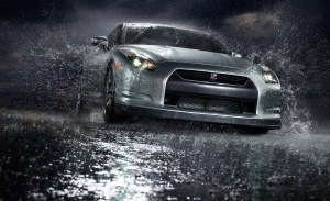 desktop-wallpaper-with-silver-car-in-the-rain